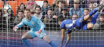 El Alavés suma en Valencia su tercera derrota consecutiva