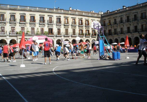El 3x3 vuelve a la Plaza de España en formato femenino con fútbol y baloncesto