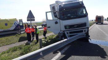 Fallece un camionero húngaro cuando circulaba por Álava