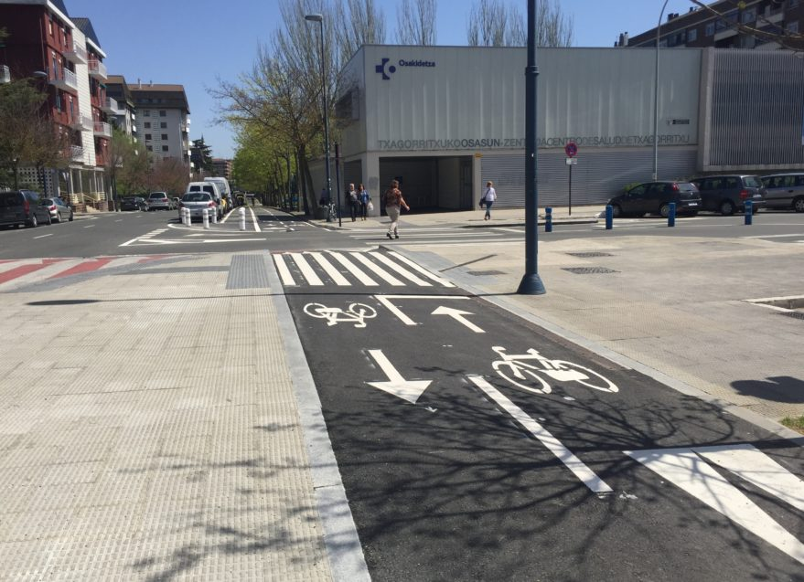 carril bici calle chile vitoria