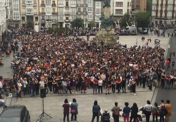 Vitoria-Gasteiz se manifiesta contra la violencia machista