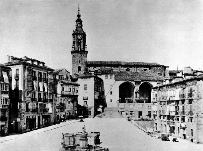 Plaza de la Virgen Blanca 1876