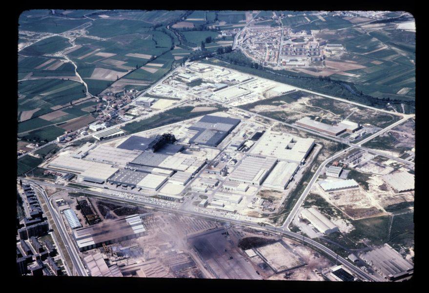 Fotografía aérea de las instalaciones de Michelin en 1973. Fondo Fundación Sancho el Sabio.