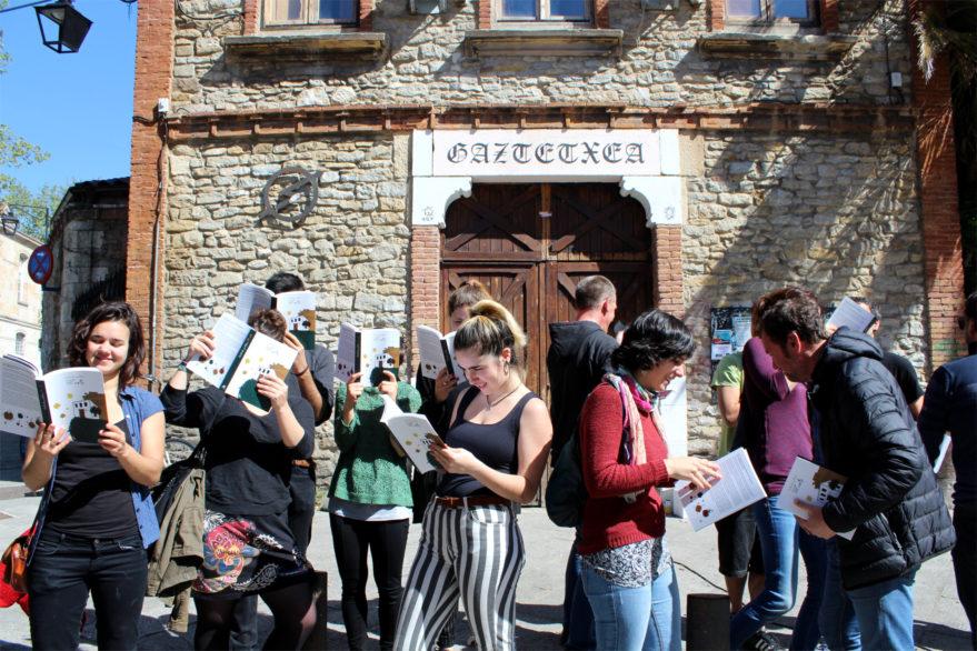 Un libro repasa los 30 años de ocupación del Gaztetxe