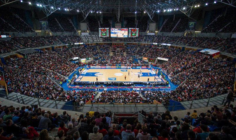 Foto: ACBphoto/I.Martín. Aspecto del Buesa Arena lleno (03/01/2016)