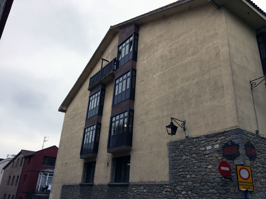 fachada mural colegio ramon bajo