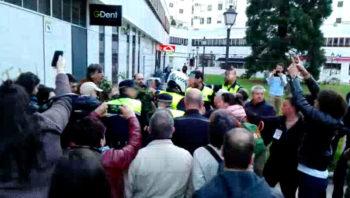 400 euros por cruzar en rojo durante la protesta contra 'La Manada'