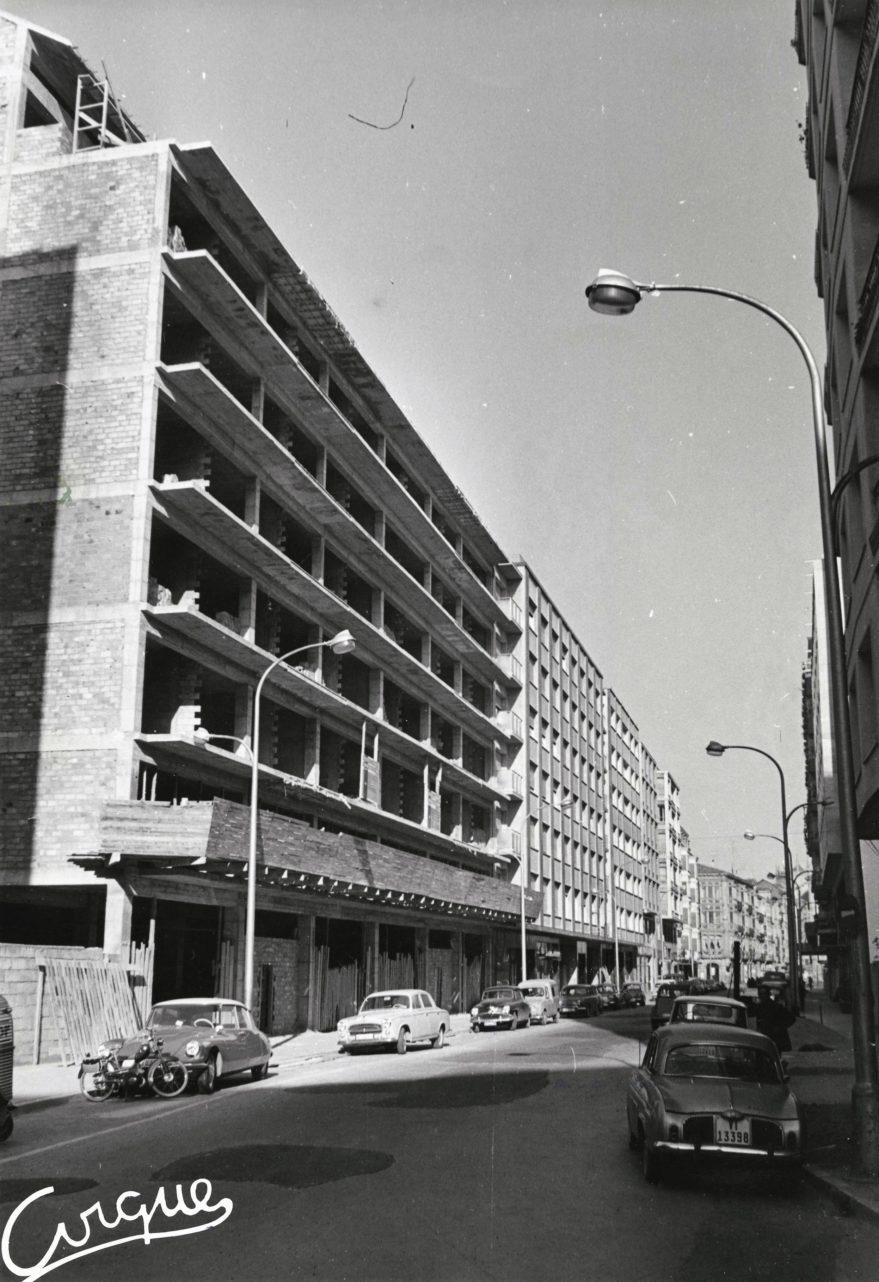 Edificios en construcción en la calle General Álava en 1964. Fondo Fundación Sancho el Sabio.
