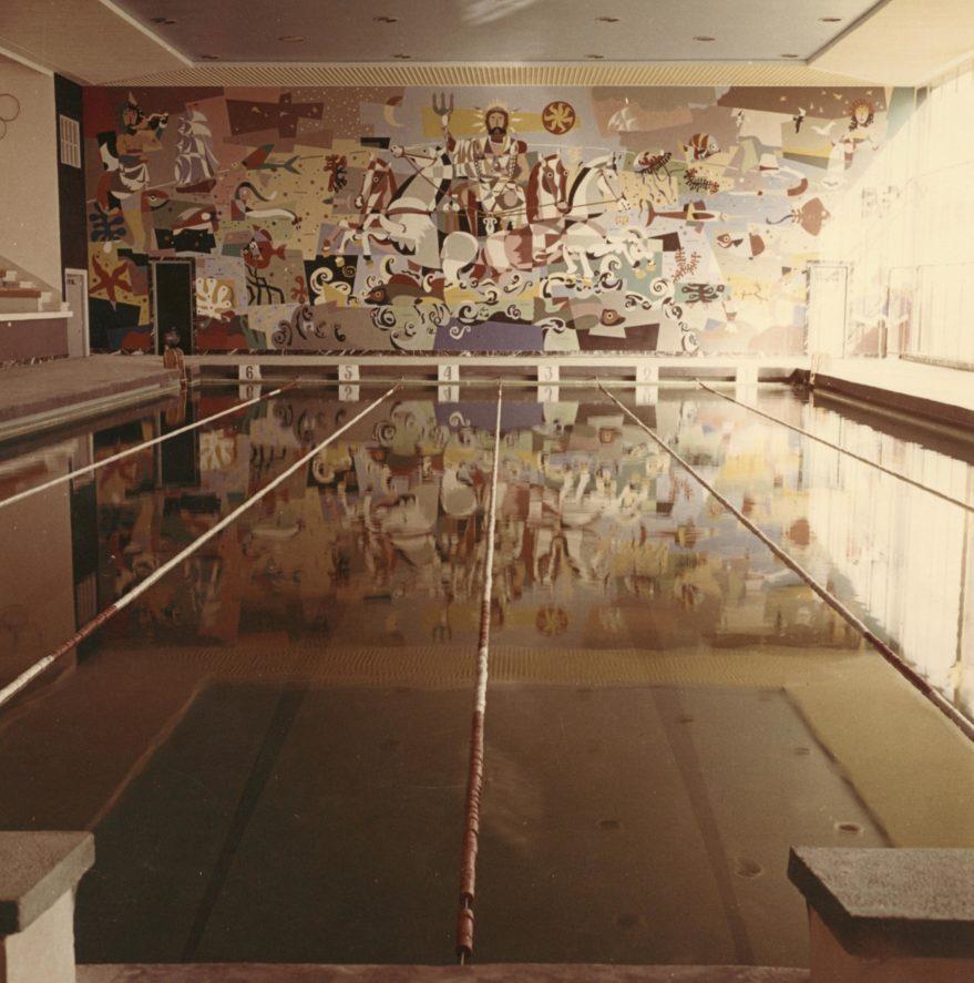 Interior de las piscinas de Landázuri hacia 1965. Fondo fotográfico Fundación Sancho El Sabio.