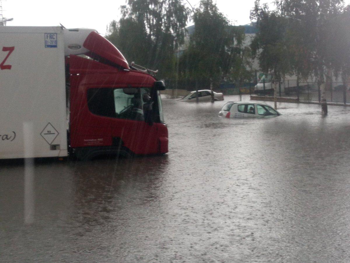 La tormenta genera inundaciones en Vitoria-Gasteiz y granizo en zonas de Álava