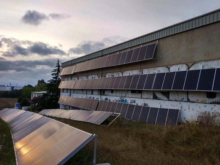 Placas solares instaladas en Errekaleor mediante Crowfunding