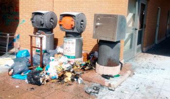 "Arde un montón de basura en un edificio de Alokabide: ""Estamos hartos"""