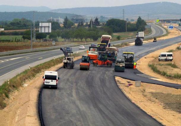 Las obras de la carretera a Zambrana avanzan con los nuevos puentes