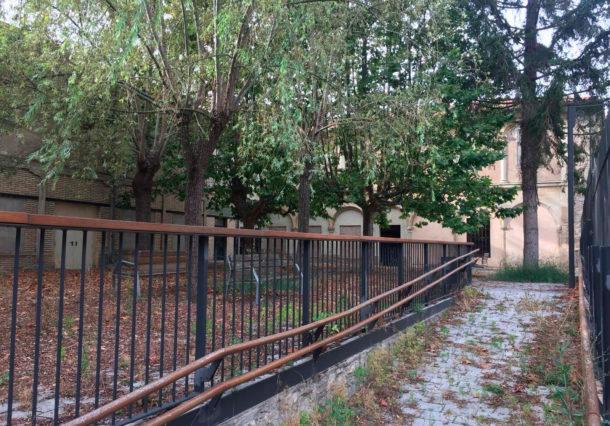 Un jardín cerrado y abandonado que se inauguró hace sólo 4 años