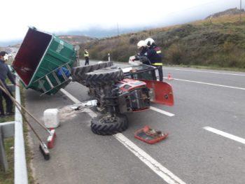 Vuelca un tractor en Rioja Alavesa