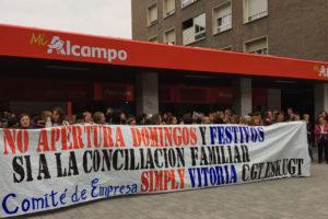 La plantilla de Simply-Alcampo se une a la huelga contra la apertura en domingos