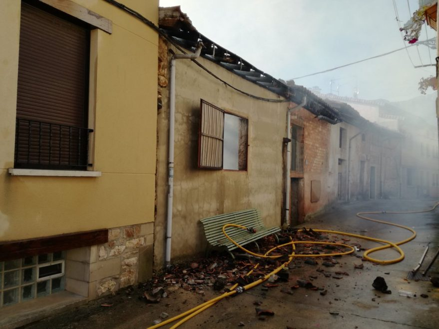 Incendio en Lagrán (@bomberosAraba)