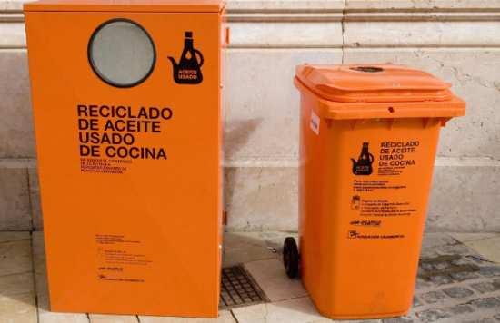 contenedores reciclaje aceite vitoria