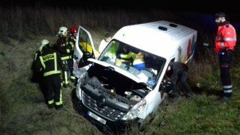 Dos heridos y tres vehículos implicados en un accidente en cadena