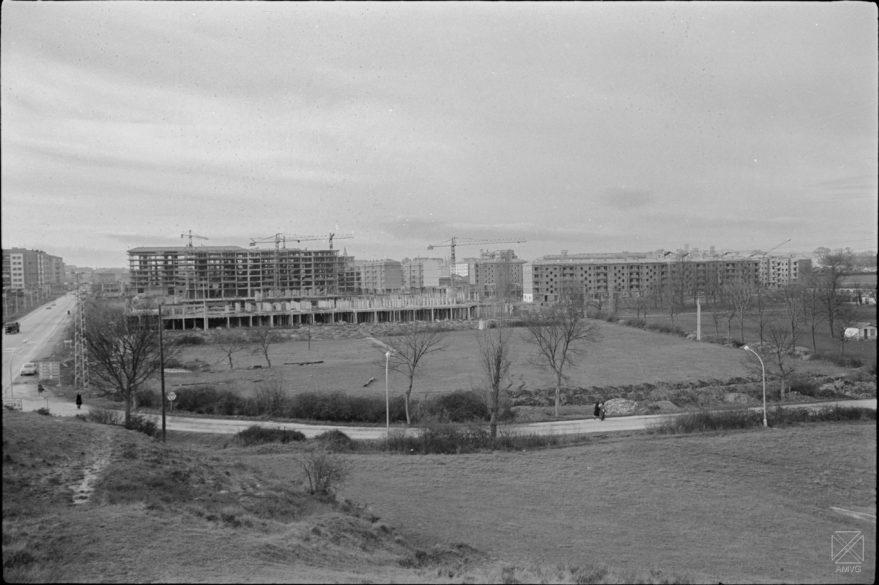 Vista del barrio en plena construcción en 1967. ARQUÉ. Archivo Municipal de Vitoria-Gasteiz.