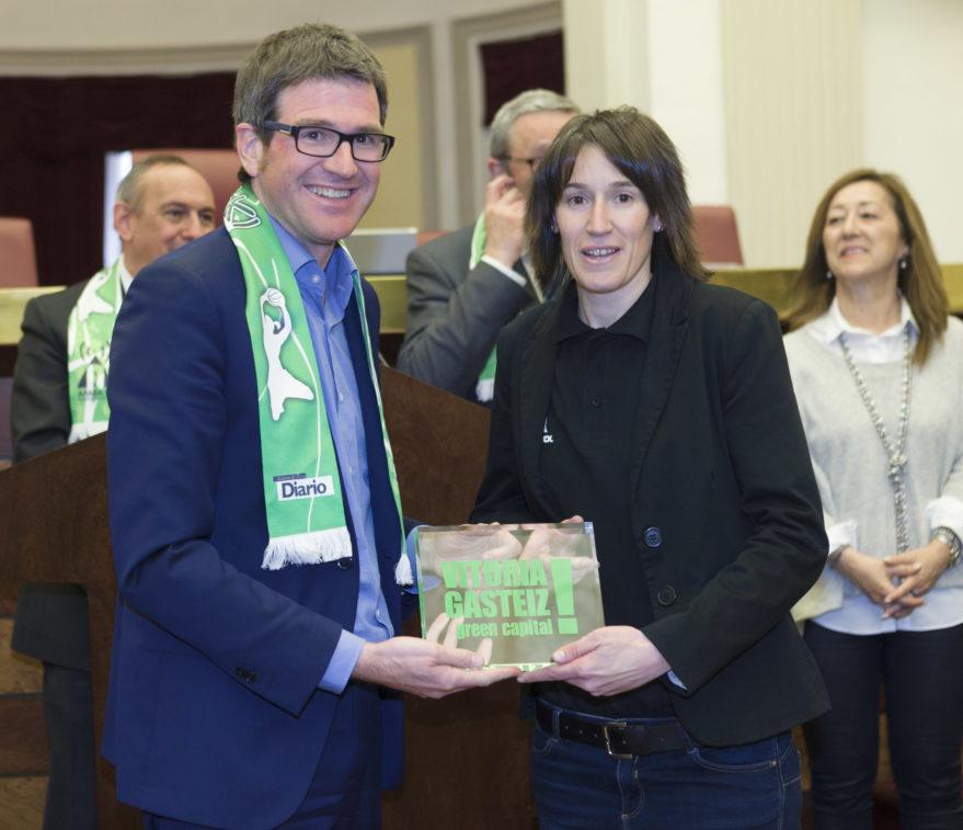 Gorka Urtaran, junto a Livia López en una imagen de archivo