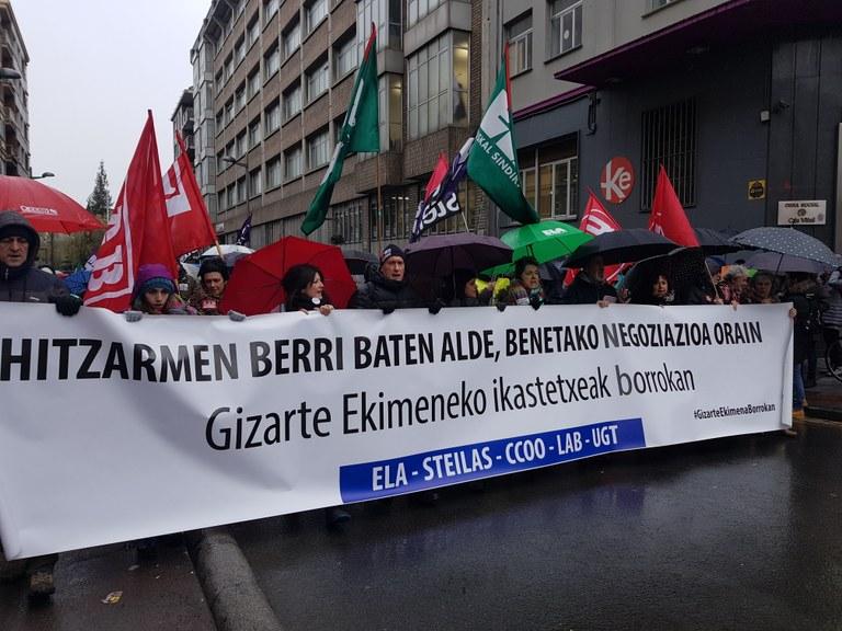 huelga concertados marzo vitoria