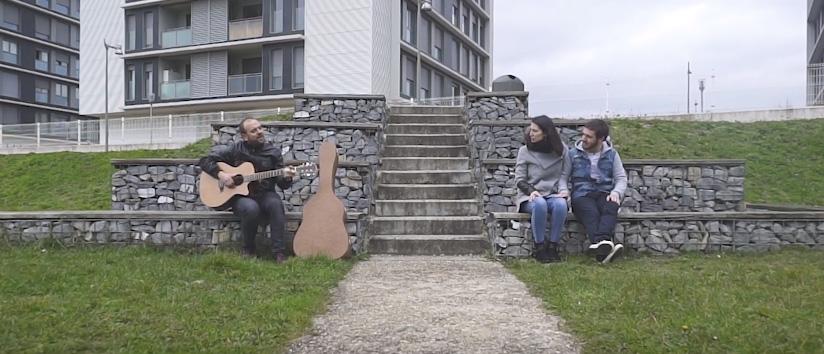 Antton Aranburu presenta su videoclip Zoratzen Naiz, grabado en Zabalgana