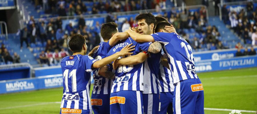 El Valladolid muestra más ambición que el Alavés y se lleva un punto de Vitoria