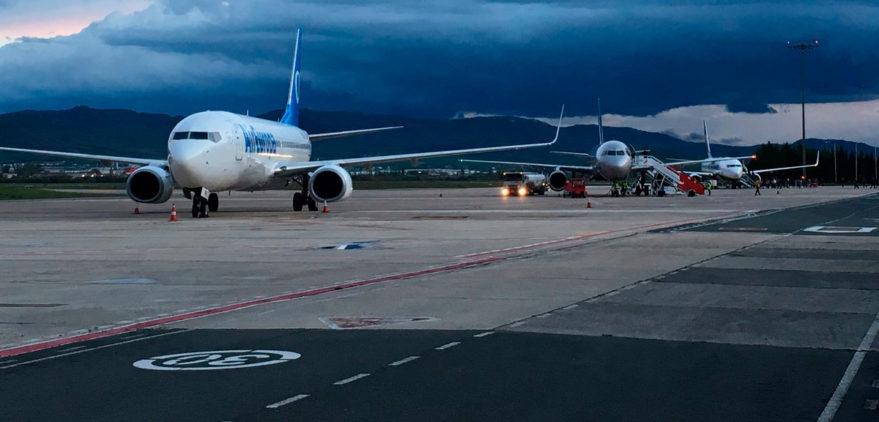 H24 foronda 25 de marzo Aviones del Barça, CSKA, y Ryanair. Foto Aeroclub Vitoria en Foronda