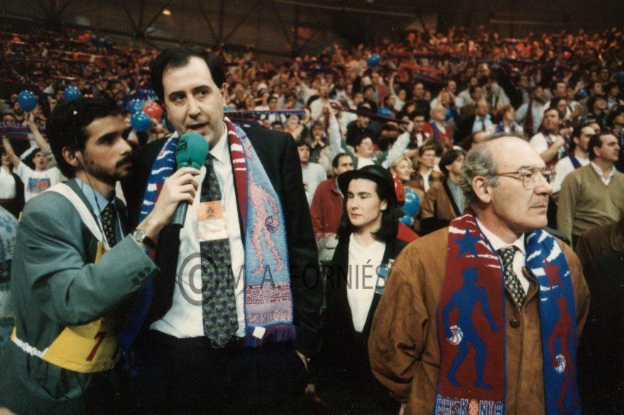 Foto:Miguel Ángel Forniés. Josean Querejeta y el lehendakari José Antonio Ardanza tras la Final