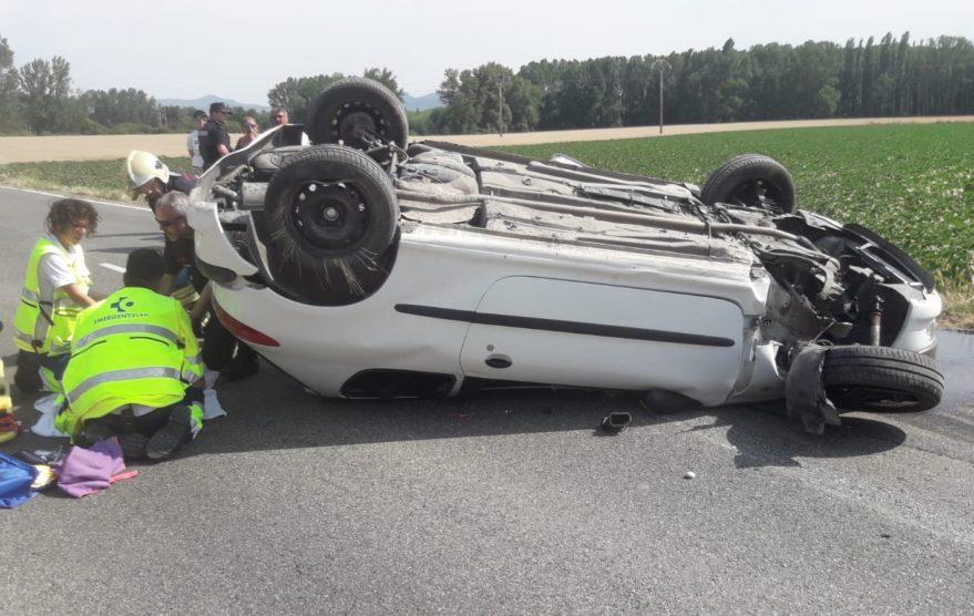 Rescate conductora atrapada coche