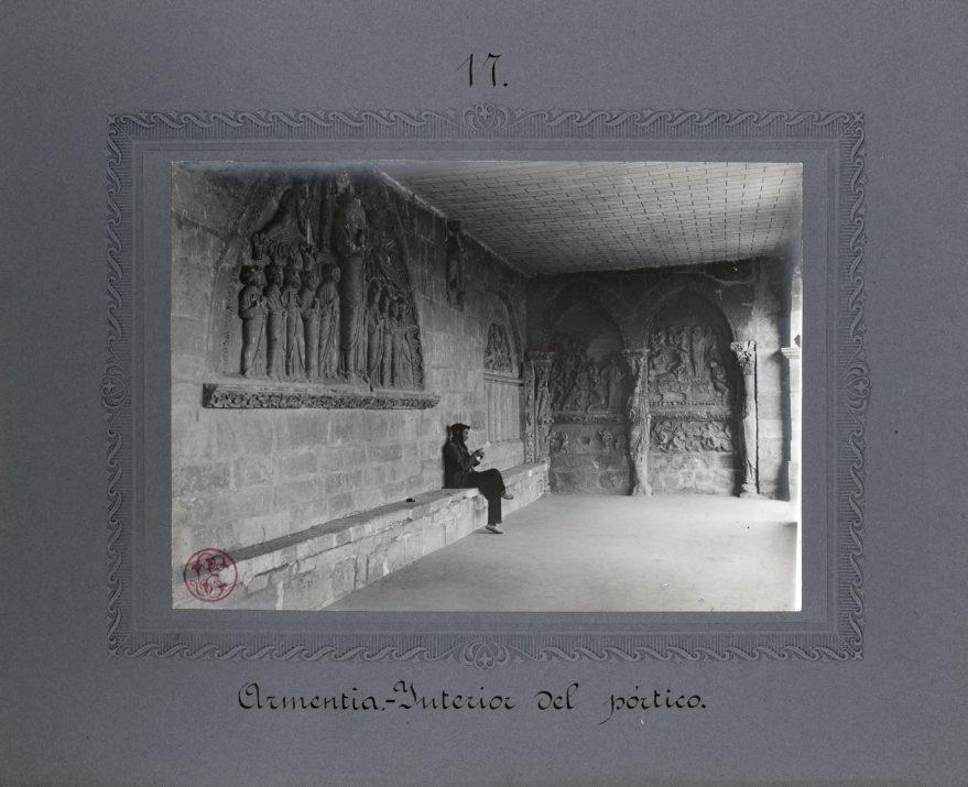 """Fotografía de la exposición """"El Románico revelado"""""""
