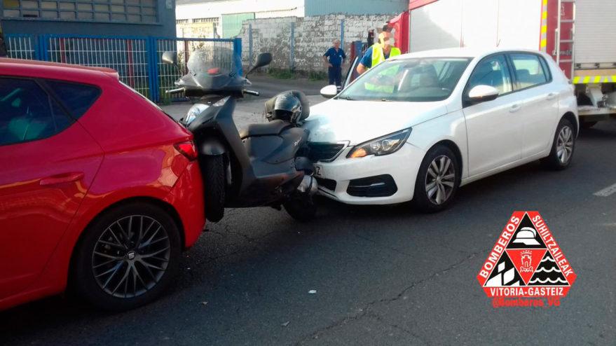 accidente coches moto vitoria