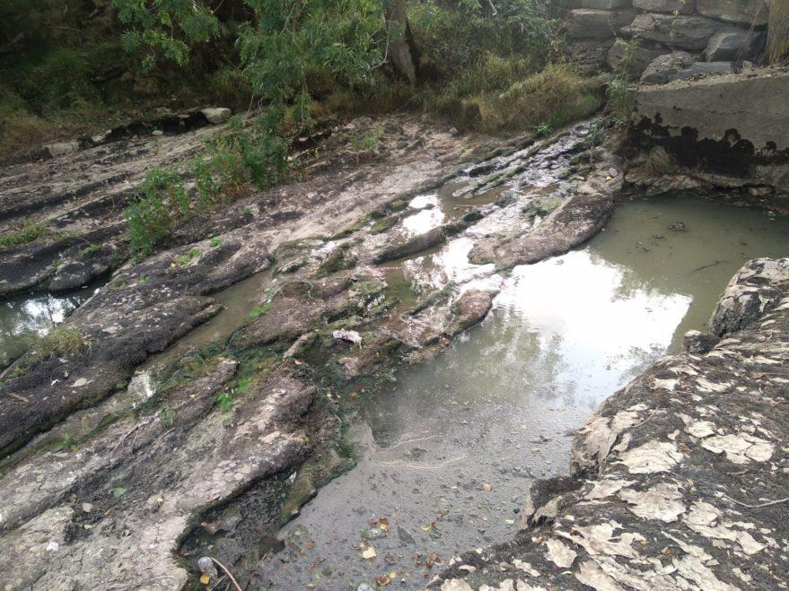 vertido rio baias