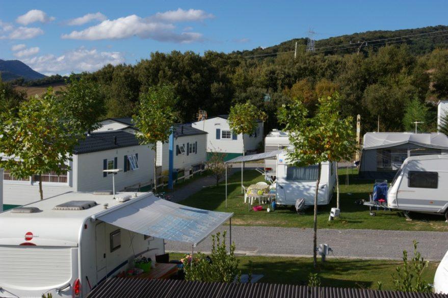 camping caravanas el roble verde