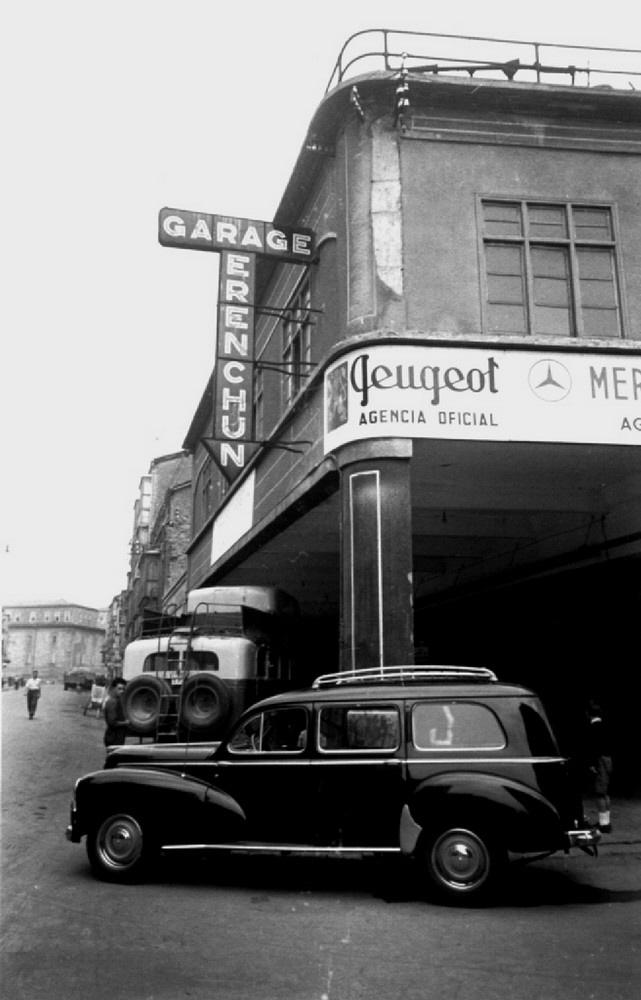 Esquina de la calle Abrevadero con la calle Francia a principios de la década de los cincuenta. Fondo Schommer. ATHA.