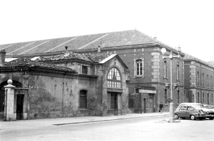 Calle La Paz a principios de la década de los sesenta. Fondo Schommer. ATHA.