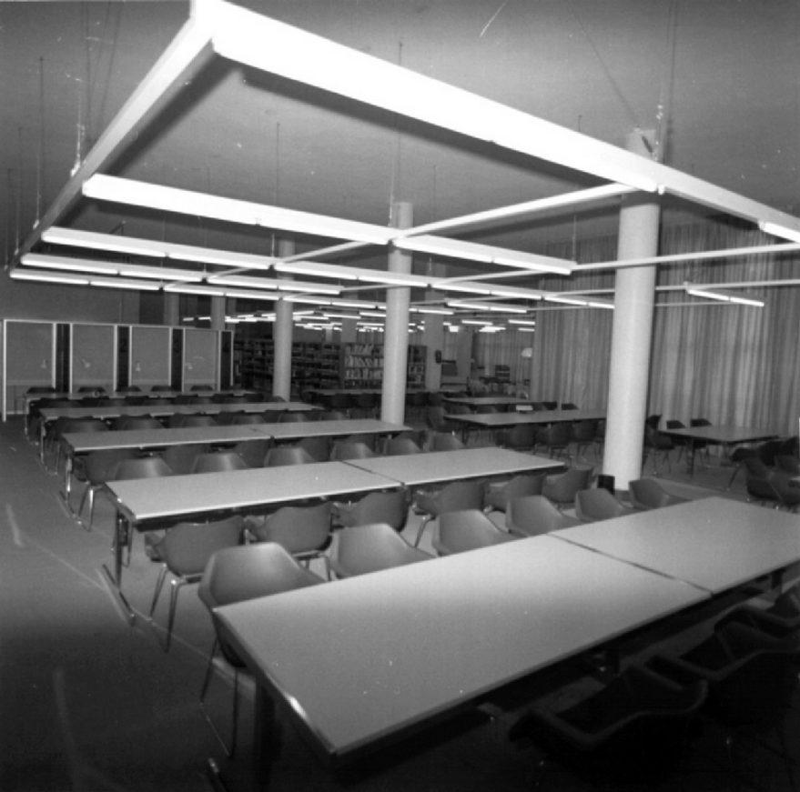 Aspecto interior de la sala de estudio en 1976. ATHA