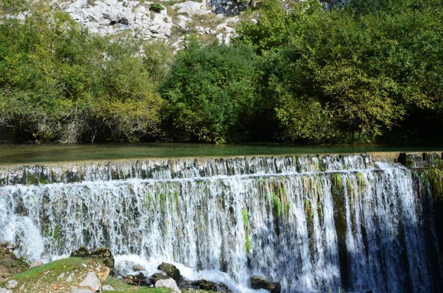 nacedero rio zirauntza aizkorri aratz