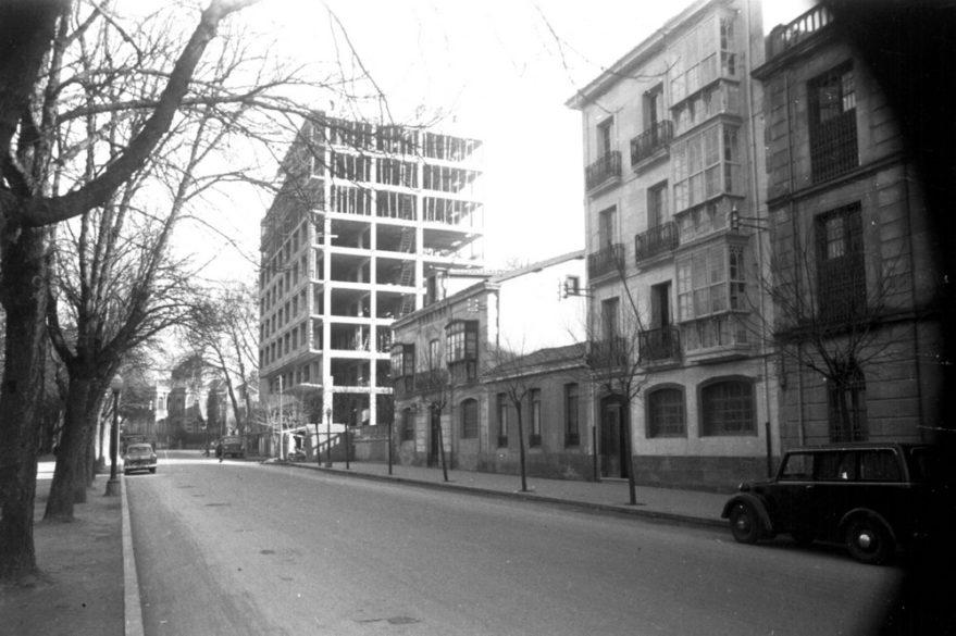 Aspecto del hotel Canciller Ayala en construcción. ATHA.