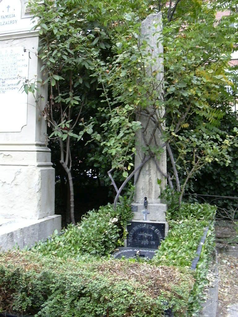 sepultura de Mateo de Moraza