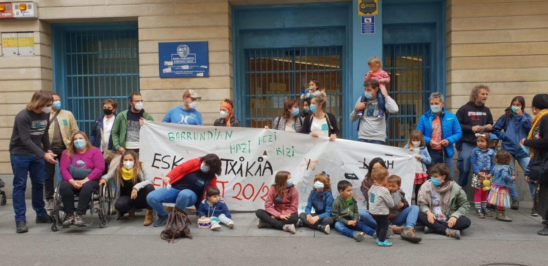 Concentración-familias-primaria-barrundia-eskola-txikia