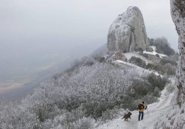 Sierras de Toloño, Cantabria y Codes: piérdete entre montes, castillos y viñedos