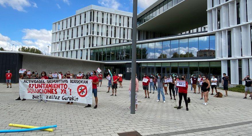 huelga socorristas monitores centros civicos vitoria
