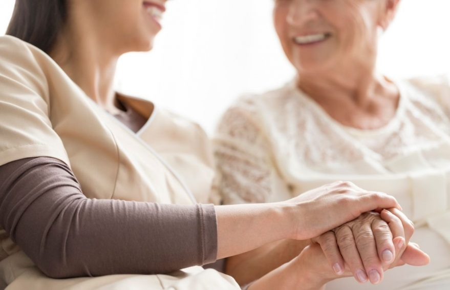 ayuda cuidar mayores