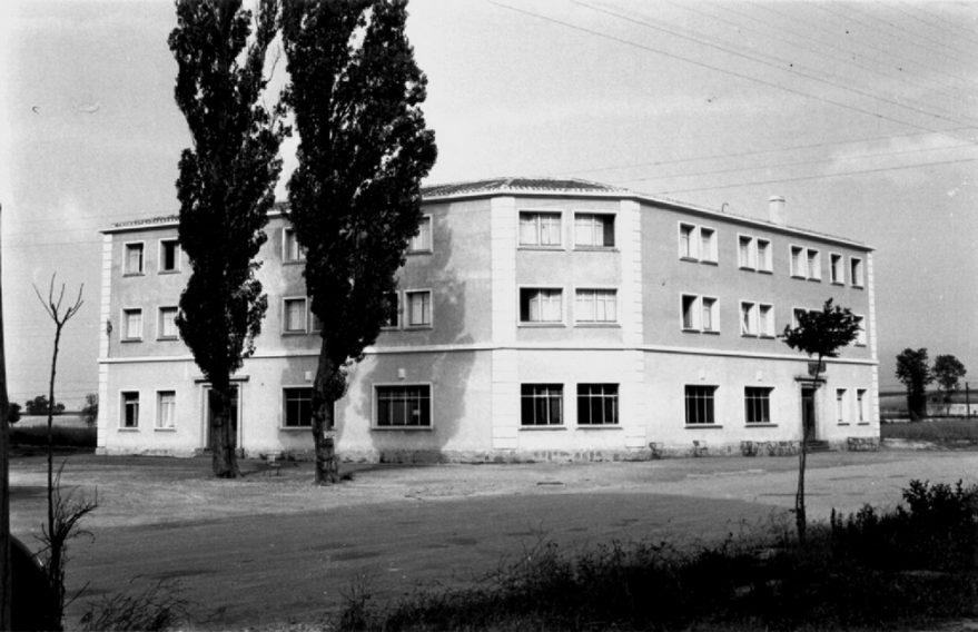 Residencia obrera masculina en 1957. Fondo Fundación Sancho el Sabio.