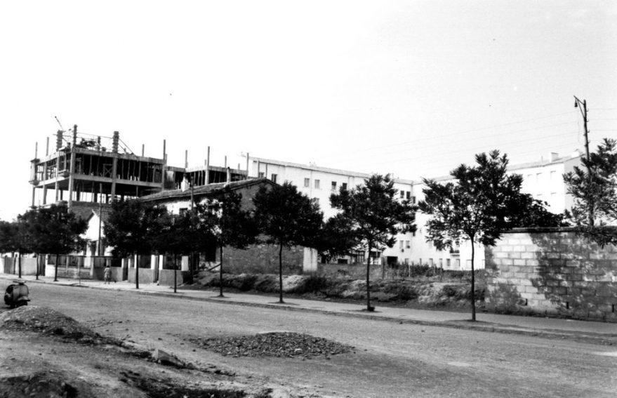 Aspecto de la calle Heraclio Fournier a principios de la década de los sesenta. ATHA.