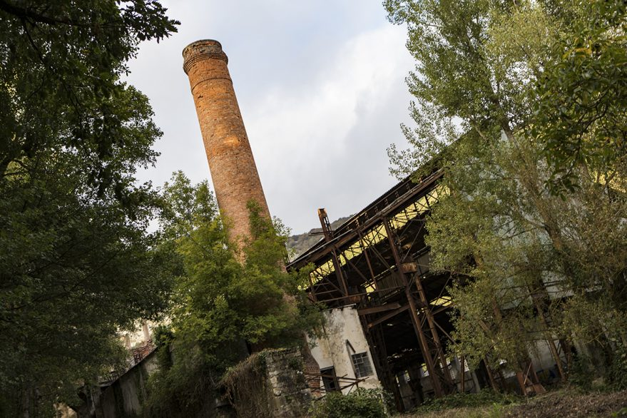 Fábrica abandonada en Araia
