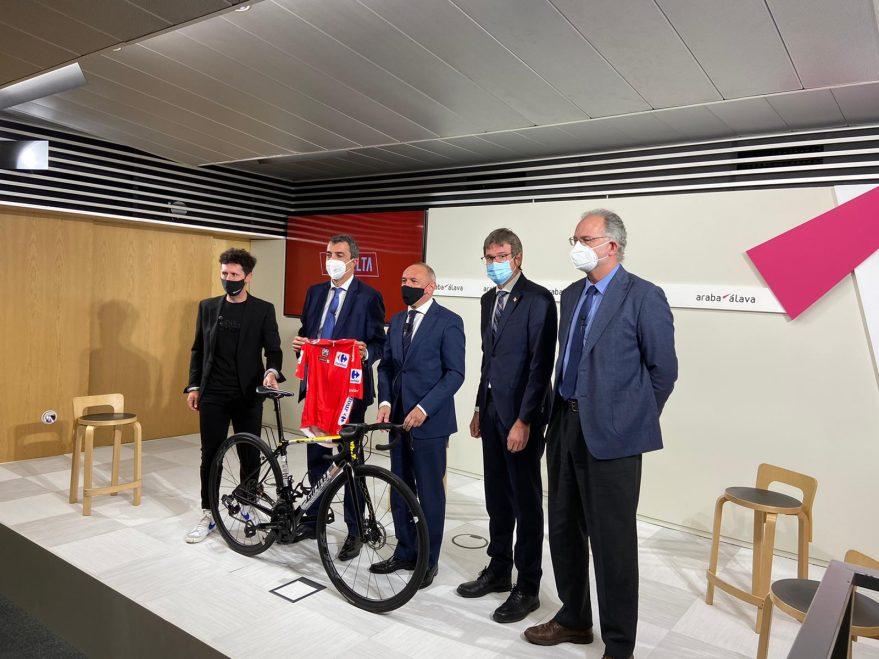 vuelta ciclista espana vitoria