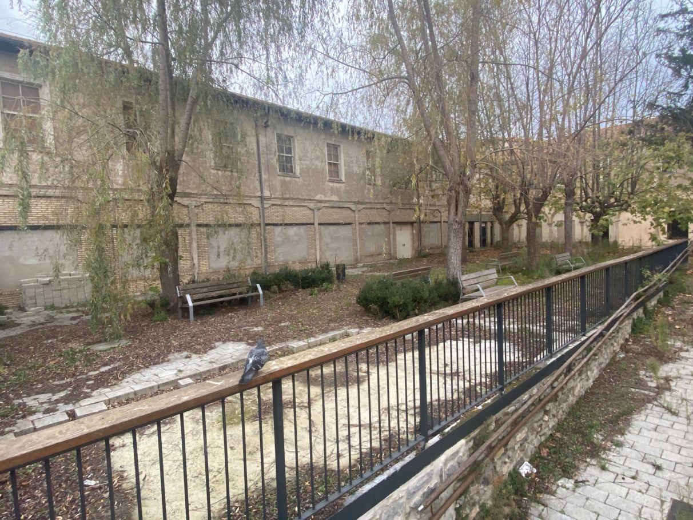 Este jardín se inauguró hace seis años... y lleva tres cerrado   Gasteiz Hoy
